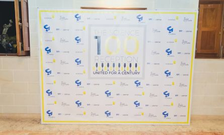 These backdrops are light weight and have durable & expandable banner that can be set up instantly for trade shows, local fairs, store promotions, exhibitions, conferences, presentations etc.